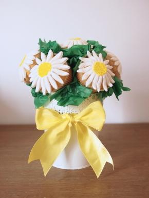 Daisy Cupcake Bouquet