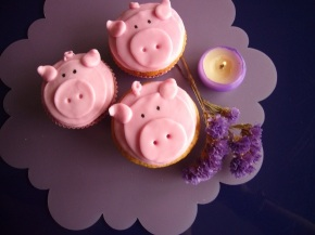 Piggy Themed Confectionaries
