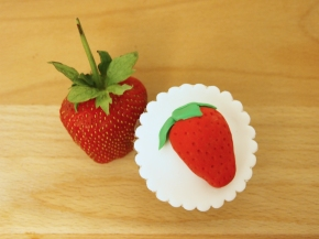 Fondant Strawberry Topper
