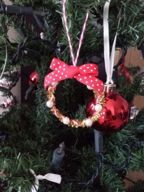 Introducing Elegance Wonder: Mini X-mas Wreath